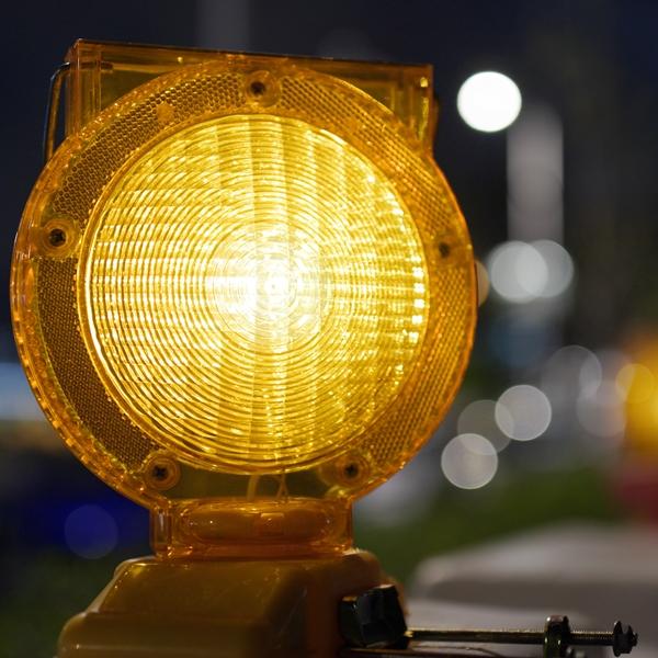 Frazada corta: las luces amarillas que enciende la política cambiaria